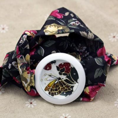 Orologio Fiocco Fiori Farfalla sulle Fragoline Nero e Rosso